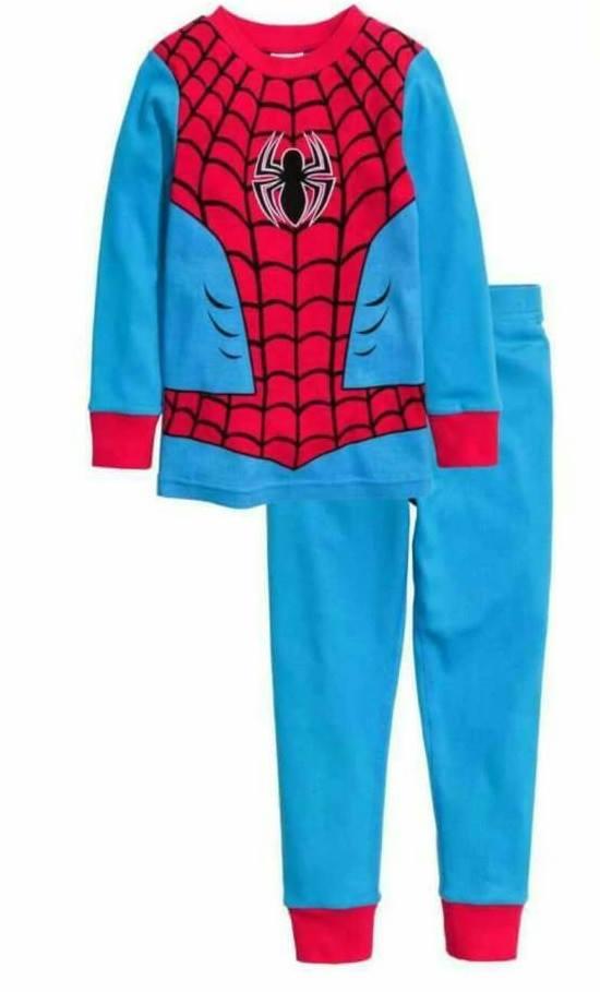 H&M : ชุดนอน (งานแท้ตัดป้าย) รุ่น Jersey Pyjamas ลาย Spiderman สีฟ้า size : 2-4y / 6-8y