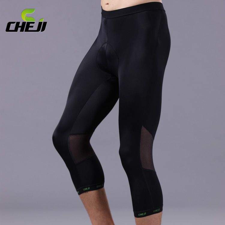 กางเกงจักรยานขาสามส่วนผู้ชาย CheJi สีดำ