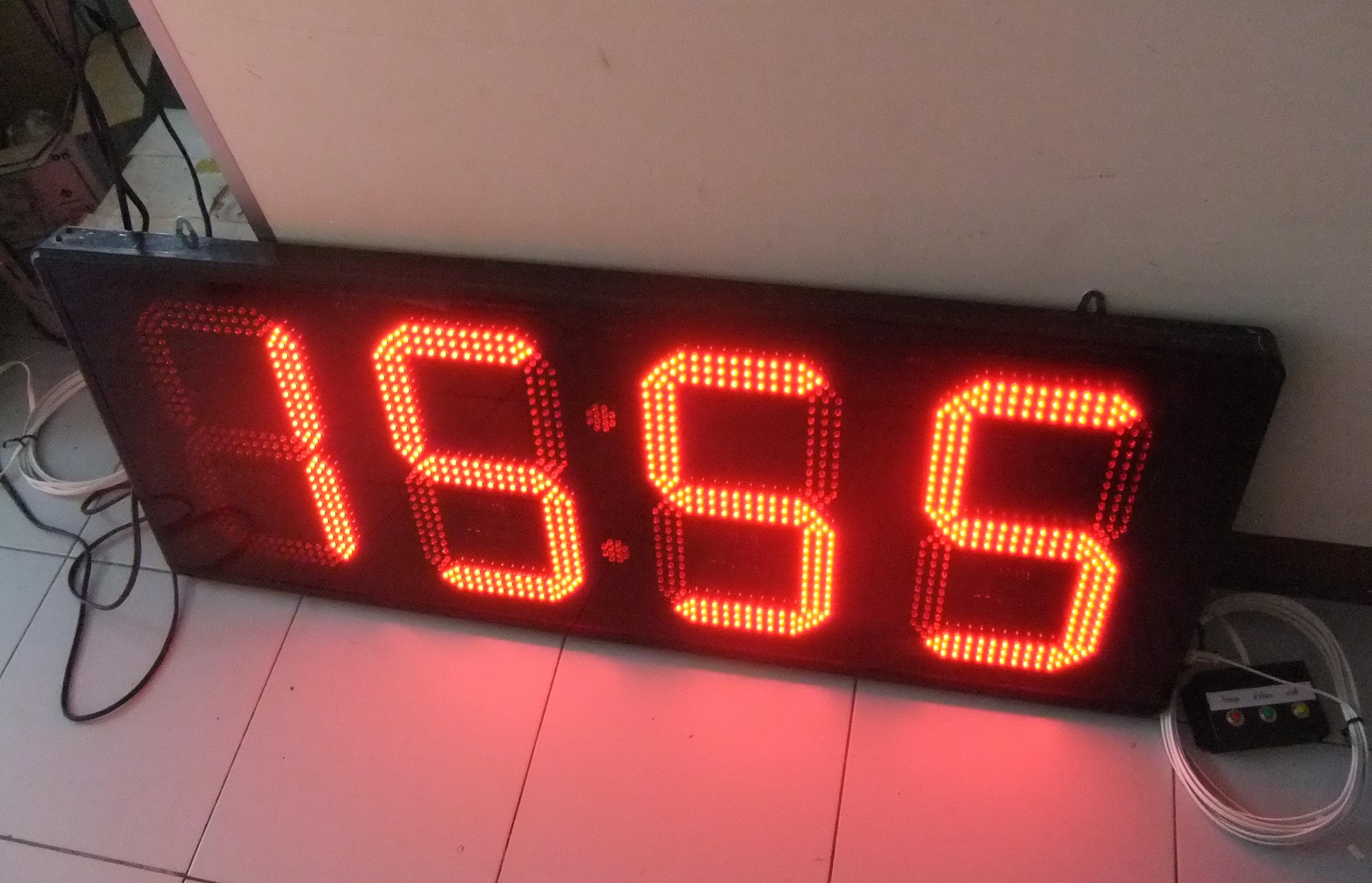 นาฬิกาดิจิตอลLED 12นิ้ว 4หลัก