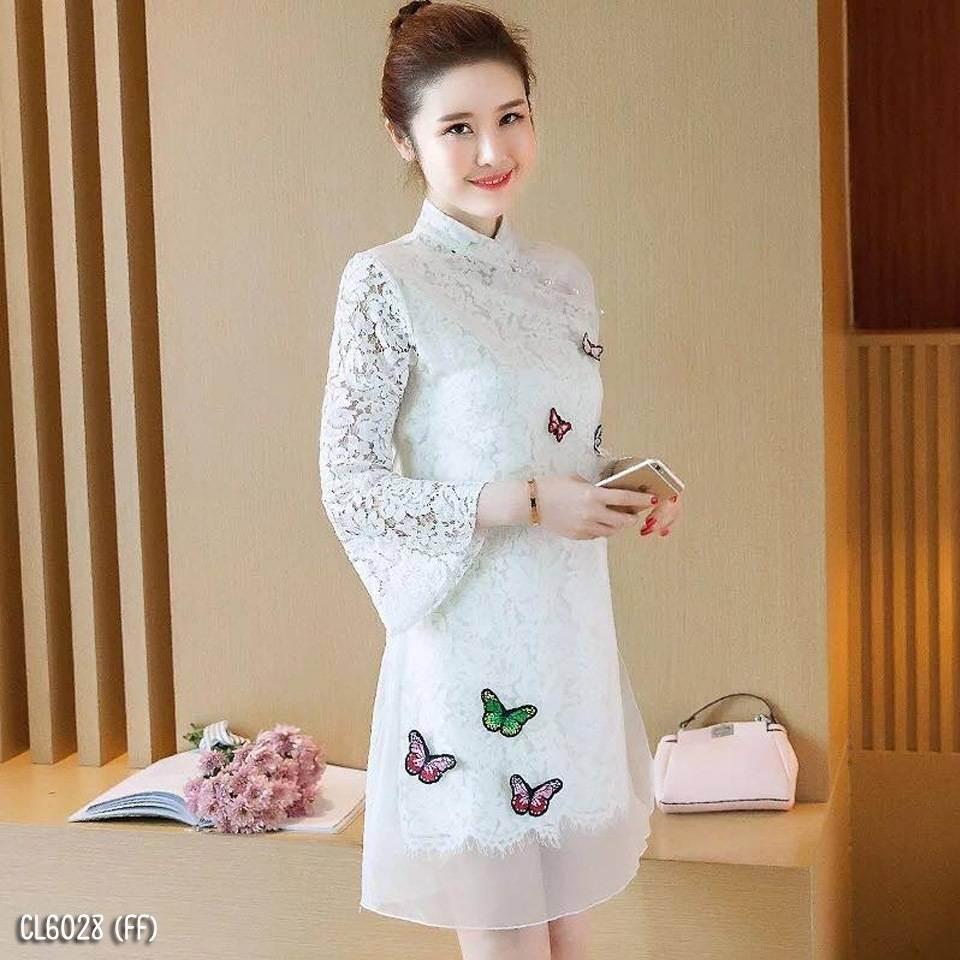 เดรสสีขาว คอจีน แต่งผีเสื้อน่ารัก