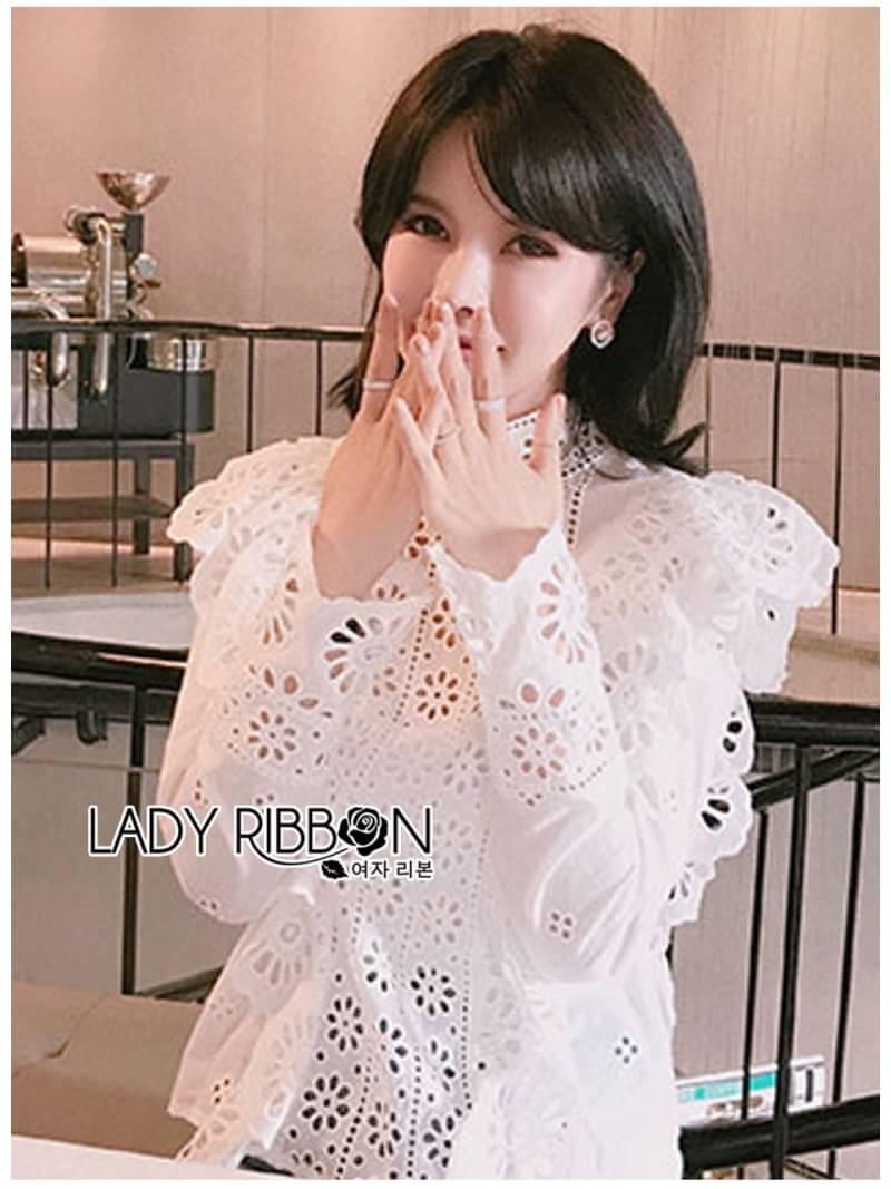 เสื้อผ้าคอตตอนสีขาวทรงคอสูงฉลุลาย