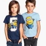 H&M : เสื้อยืดแขนสั้นสกรีนลาย Minion (งานช้อป) สีน้ำเงิน ตัวซ้าย Size : 1.5-2y
