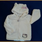 HM : เสื้อกันหนาวสีขาว Hello Kitty ปักคิตตี้ที่ตัวเสื้อพร้อมแต่งโบว์ที่หมวก (สินค้ามีตำหนิ) Size : 9-12m