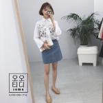 Oct TOP เสื้อเชิ้ตสีขาว ปักลายดอก