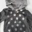 H&M : เสื้อแจ็คเก็ทกันหนาว มีฮูด ลายหมี สีเทาดำ ผ้าไม่หนามาก size 1-2y / 2-3y / 4-5y thumbnail 2