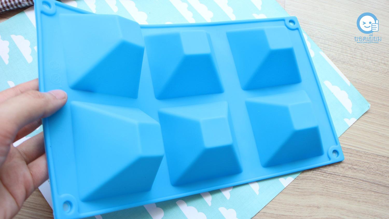 พิมพ์ขนม สามเหลี่ยมพีระมิด 100กรัม/ช่อง B501