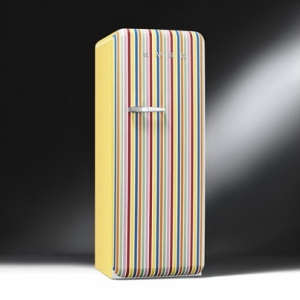 ตู้เย็น SMEG รุ่น FAB28RCS1 (สีลูกกวาด)